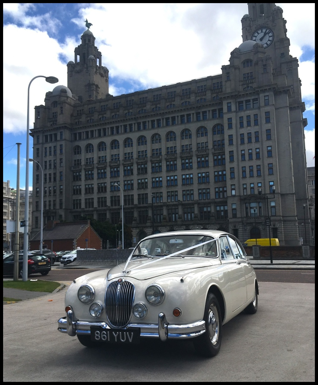 Altar Wedding Cars Manchester: Classic Wedding Cars Cheshire